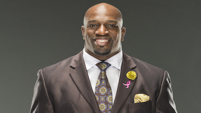 Titus O'Neil Planning On Opening Free Tuition School; High Flyer Lands On Surfing Shinsuke's Nose (VIDEO)