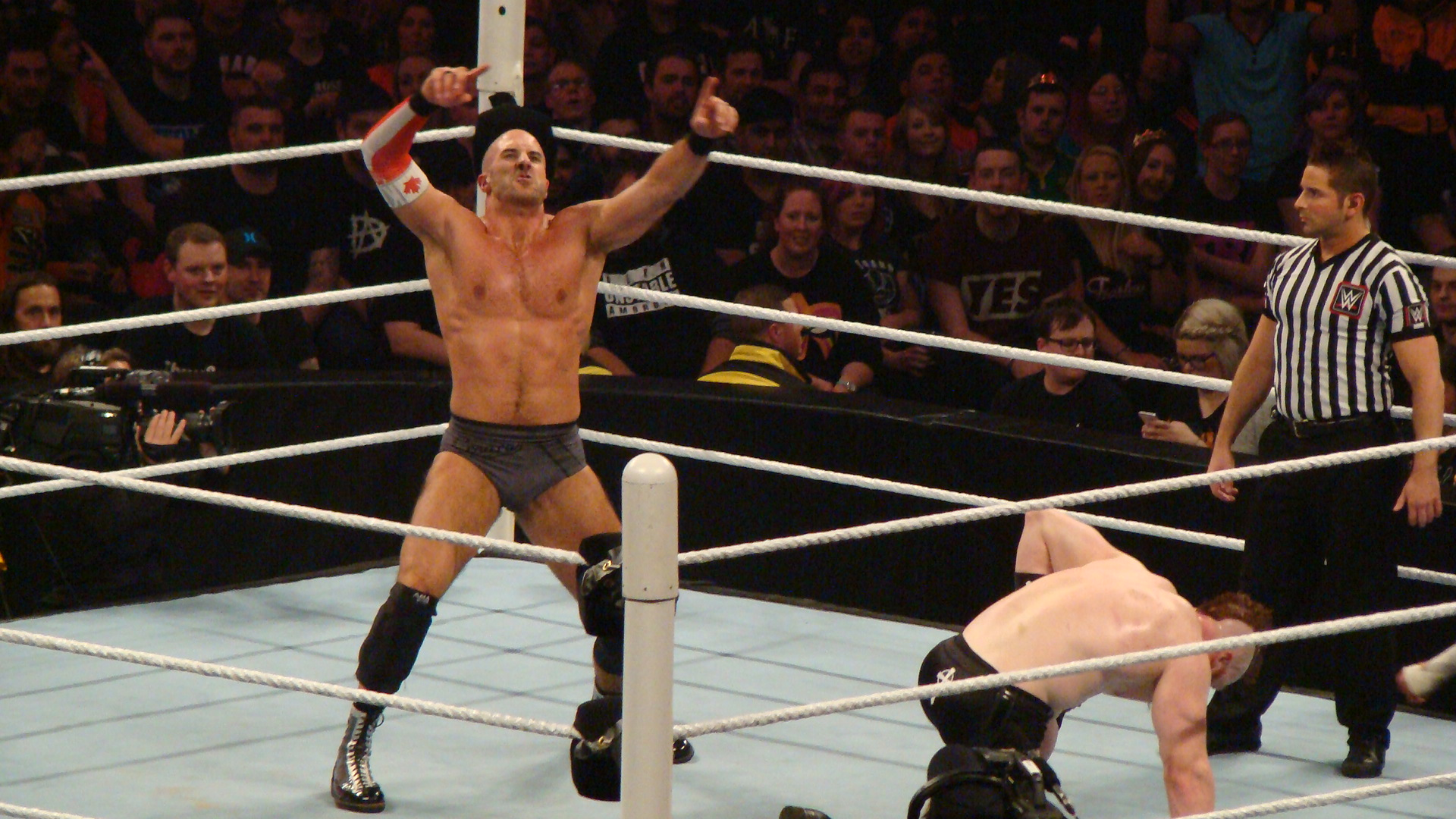 Cesaro vs Sheamus